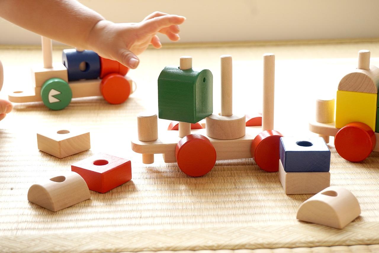 Kinderspielzeug Bauklötze Motorik