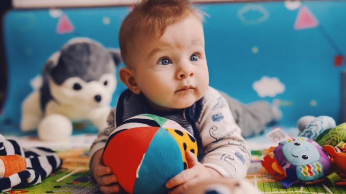 Krabbelmatte: Perfekte Unterlage fürs Baby